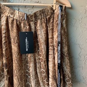 ‼️NWT MISSGUIDED Floaty shorts